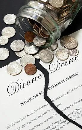 Money and divorce © Tom Schmucker | Dreamstime.com