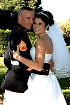 Military couple © npiggy2 | sxc.hu/photo/564187 npiggy2 | sxc.hu/photo/564187