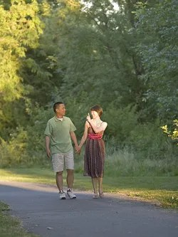 Walking and talking © Orangeline | Dreamstime.com