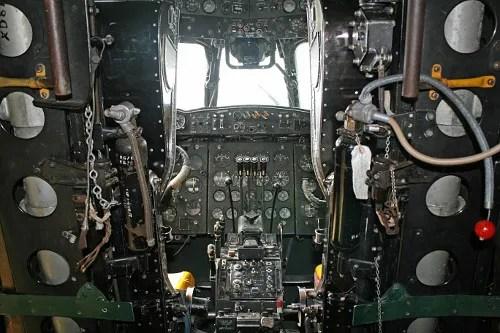 Cockpit © Thomas Ramage | Dreamstime.com