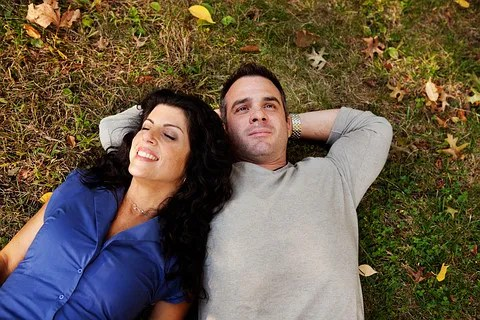 Couple daydreaming © Tyler Olson | Dreamstime.com