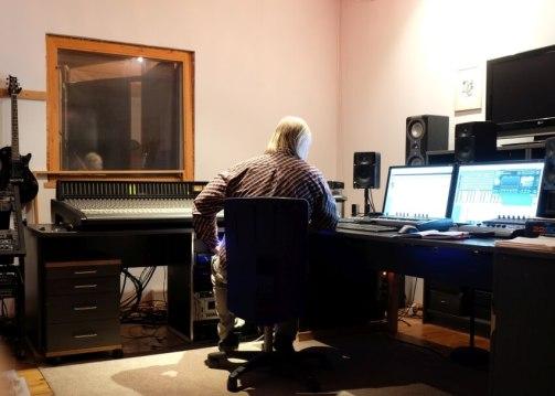 Frieder Zimmermann im Tonstudio