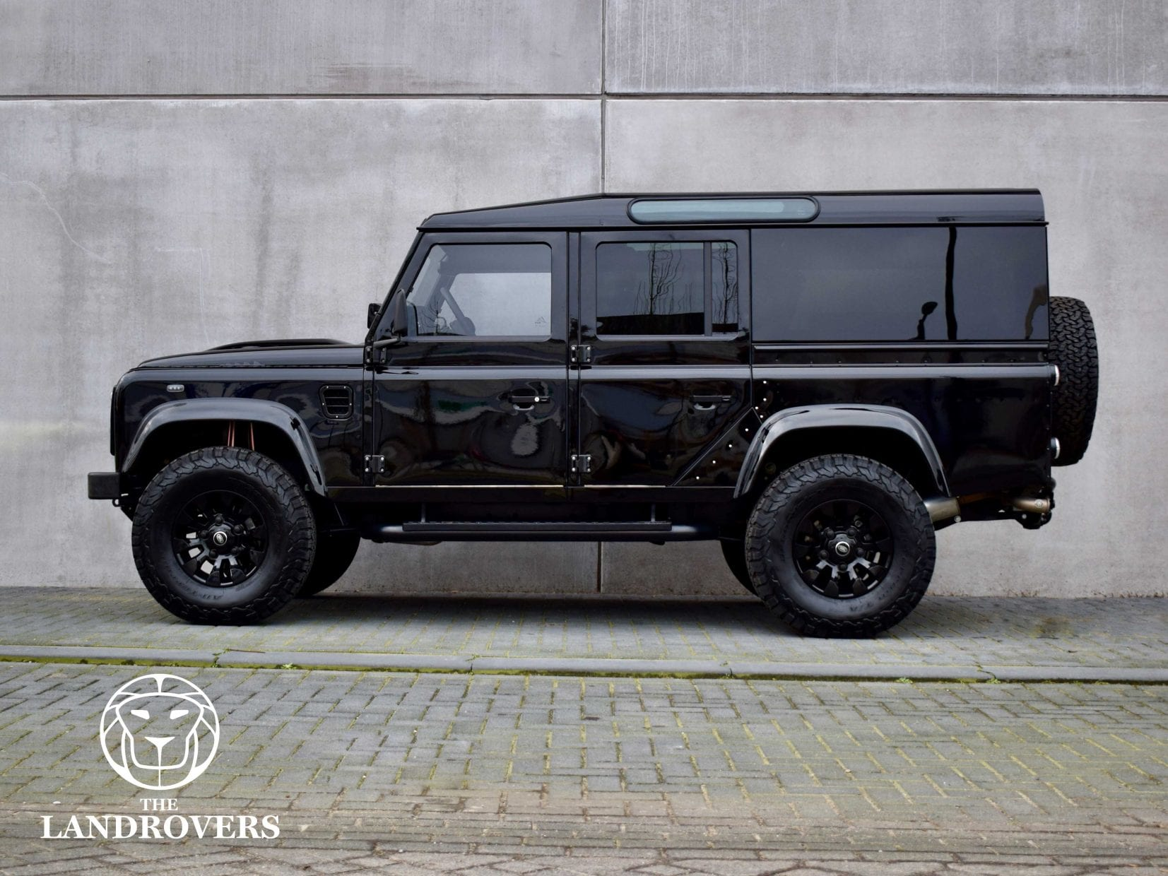 the african dark knight the landrovers