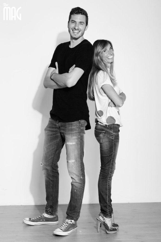 Cecilia Morini posa insieme a Matteo Piano nella redazione di the Mag a Città di Castello