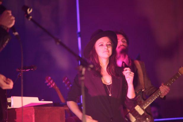 Rachele Bastreghi dei Baustelle canta una canzone