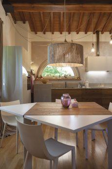 our-home-un-nido-caldo-come-il-legno-the-mag-40 (1)