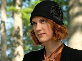 Lauren Lee Smith as Frankie Drake in Frankie Drake Mysteries