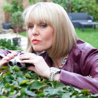 Agatha Raisin's new home; Gary Oldman hunts a cannibal; + more