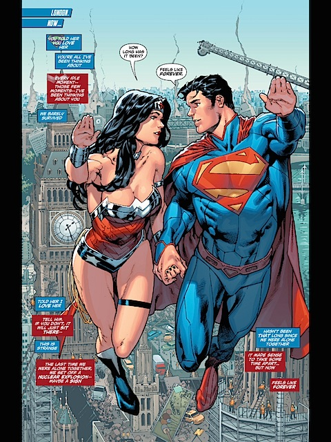 Loved up Superman and Wonder Woman