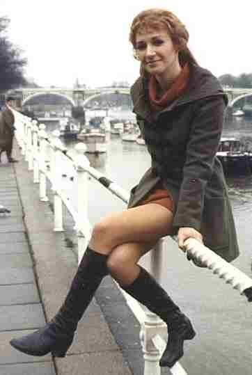Liz Shaw in a mini-skirt
