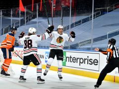 Hawks beat Oilers in Game 1