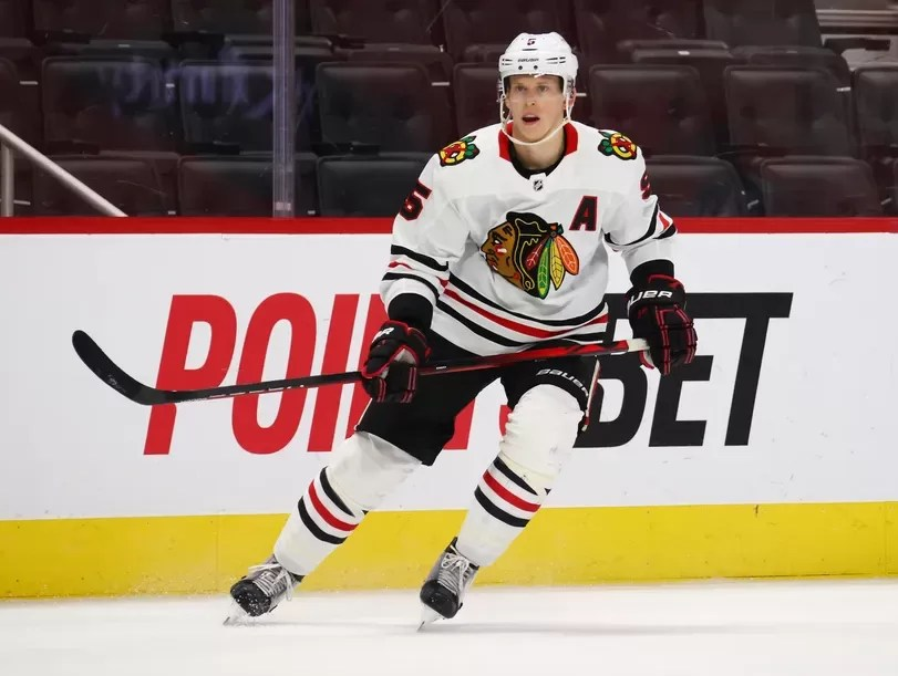 Connor Murphy inks four-year extension with Blackhawks