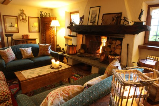 Auberge de la Maison - Courmayeur - another of the special properties offered by The-Ski-Guru TRAVEL. How not being scammed when contracting your ski chalet holiday.