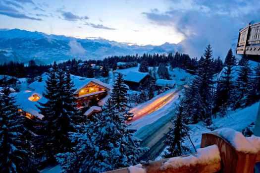 Skiing resort of Crans-Montana. Crans-Montana, Valais canton, SWITZERLAND//Station de ski de Crans-Montana. Crans-Montana,Valais, SUISSE