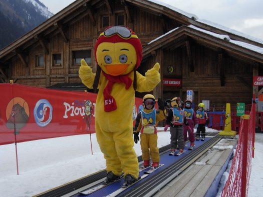Les Planards - tapis roulant. Copyright ESF Chamonix. Chamonix. What is new for the 2018/19-ski season.Les Planards - tapis roulant. Copyright ESF Chamonix. Chamonix. What is new for the 2018/19-ski season.