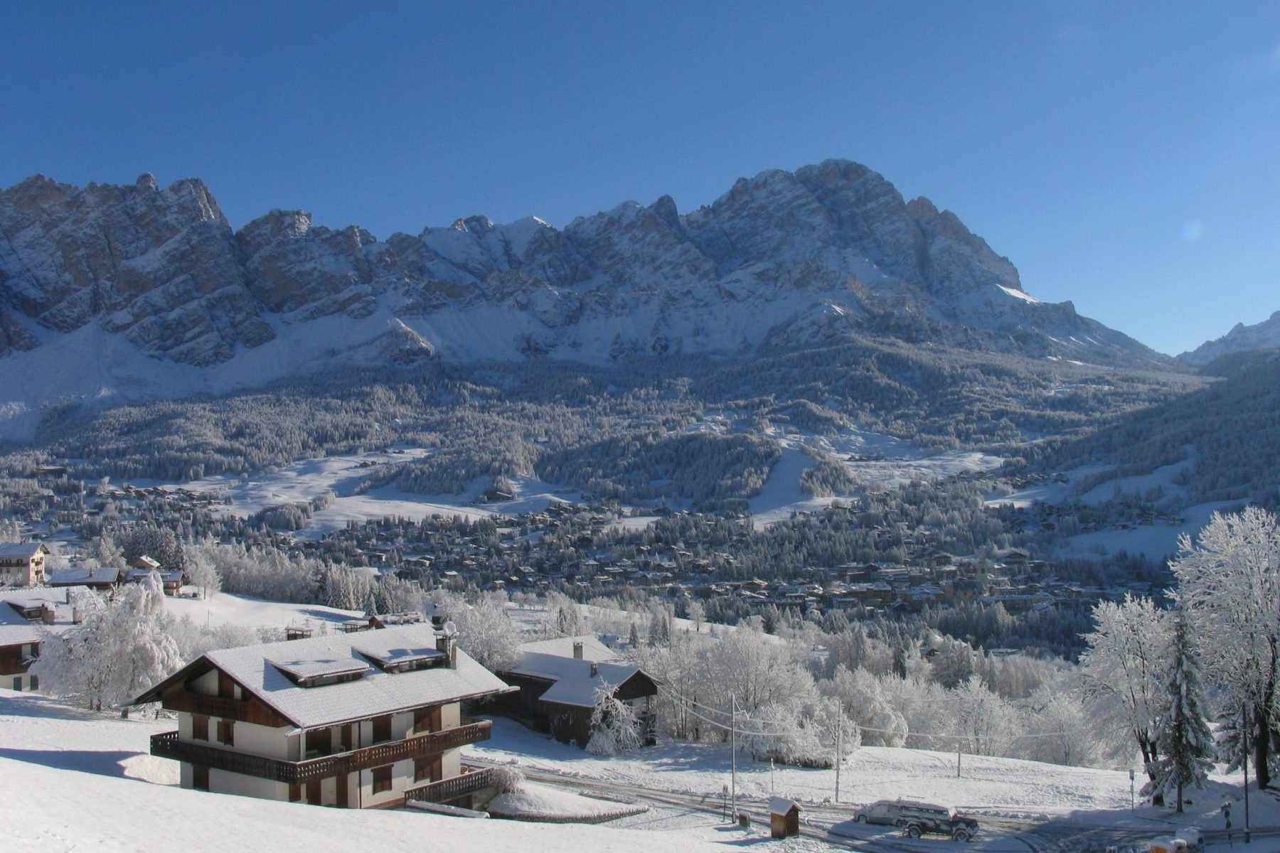 Cortina in winter. Photo: Dino Colli. Cortina Marketing. What's new in Cortina for the 2019-2020 Winter Season.