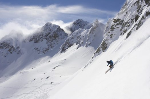 Freerider enjoying all the terrain in Lech Zürs am Arlberg. Photo by Sepp Mallaun - Lech Zürs Tourismus. The Must-Read Guide to Lech.