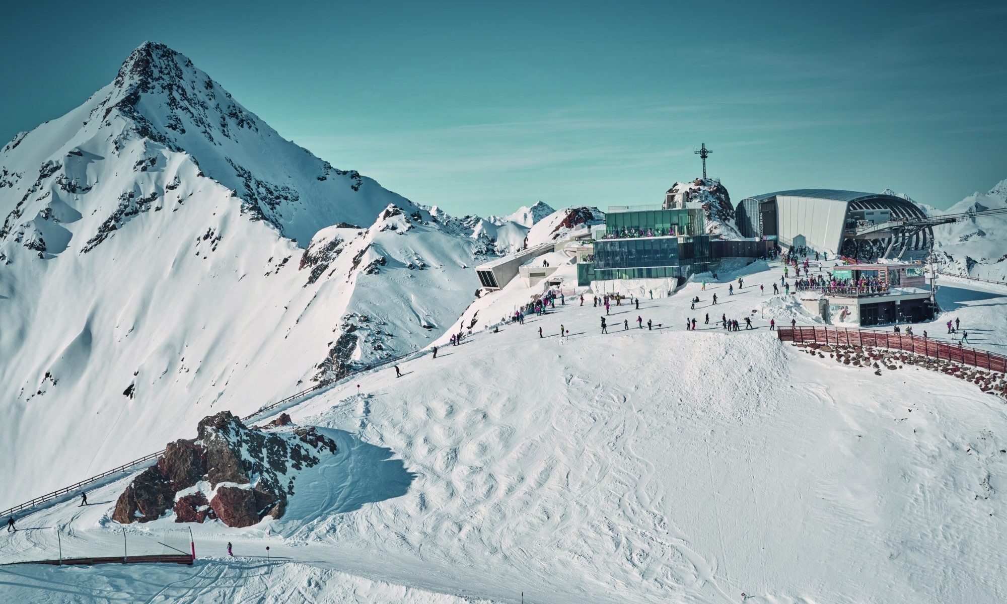 Innerötztal - Sölden with Obergurgl / Hochgurgl / Vent and Sölden. Ski this Easter with your family in 'snow sure' Obergurl-Hochgurgl and Sölden with The-Ski-Guru TRAVEL