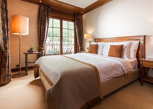 A double room at the Zermatterhof. A gas explosion has taken place Friday at the Grand Hotel Zermatterhof.