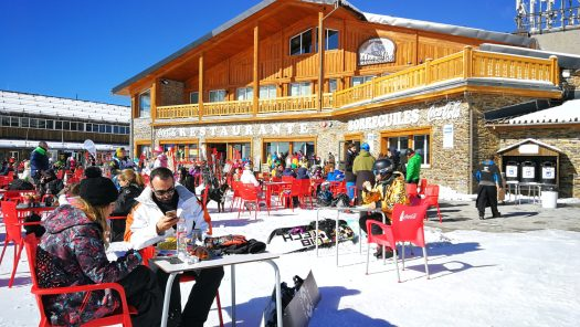 Photo: Archive Cetursa Sierra Nevada. The '12 hours Head NonStop ', the toughest test in skiing, arrives in the Sierra Nevada.