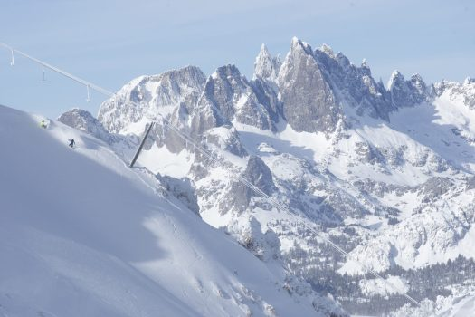 Mammoth Mountain- Destimetrics reports that snowy winter set new records at Western Mountains Destinations.