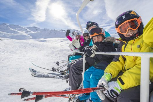 A family enjoying the pistes at Val Thorens. Photo: C.Cattin. OT Val Thorens. What is new for Val Thorens for 2019/20.
