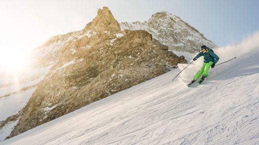 Willem de Meyer- Unsplash. Hintertux Glacier. SKI TEST -SKI REVIEWS -FAT OR NOT FAT? What Ski to Buy?