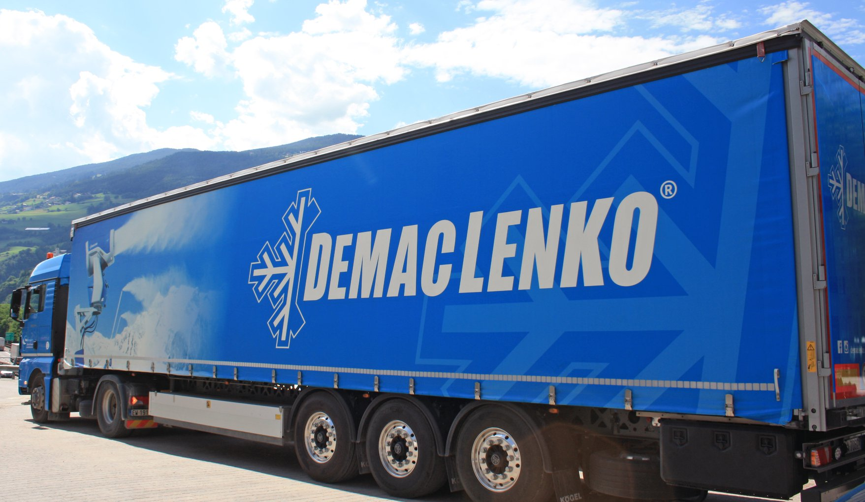 Demaclenko snow systems brings the snow to South America. Photo: Demaclenko.