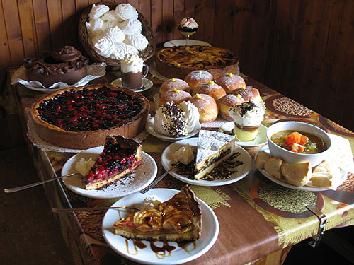 Tempting desserts at Chez Croux. A Foodie Guide to on-Mountain Dining in Courmayeur.