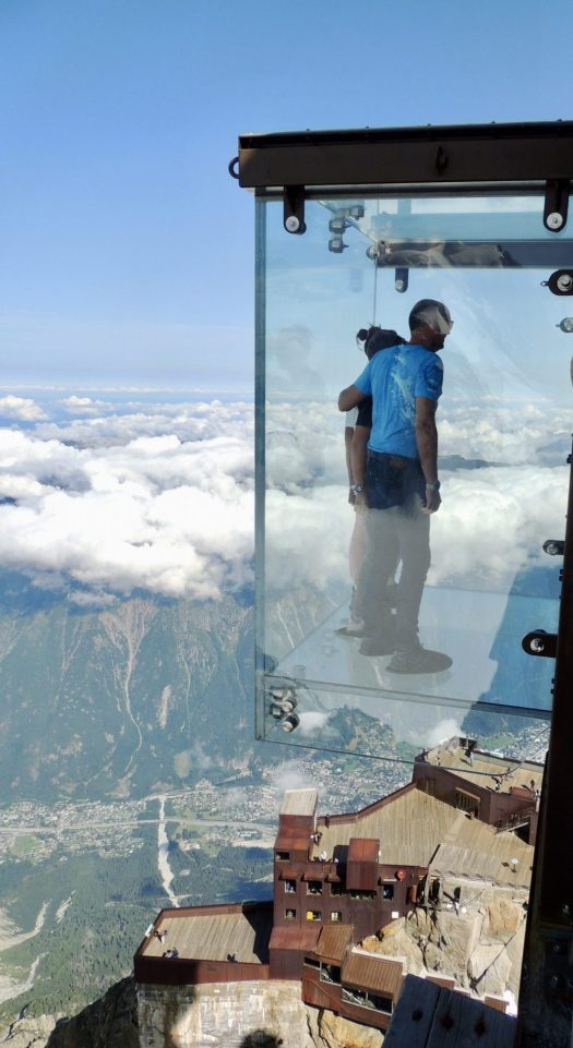 The famous Step into the Void. It seems great, but my kids were not playing ball, so I've thought we were not going to queue to get in. Just went around the terrace to take a pic of it from the other side. Aiguille du Midi vs Punta Helbronner – which one you should do?