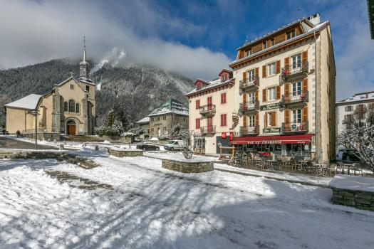 Exterior of the Hôtel Le Chamonix. Book your stay at the Hôtel Le Chamonix here. Aiguille du Midi vs Punta Helbronner – which one you should do?