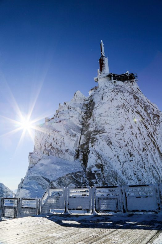Aiguille du Midi. Photo credits. OT Chamonix. Salome Abrial. Must-Read Guide to Chamonix.