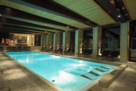 Pool at the Rosapetra Spa Resort. Cortina Dolomiti Ultra Trekking.