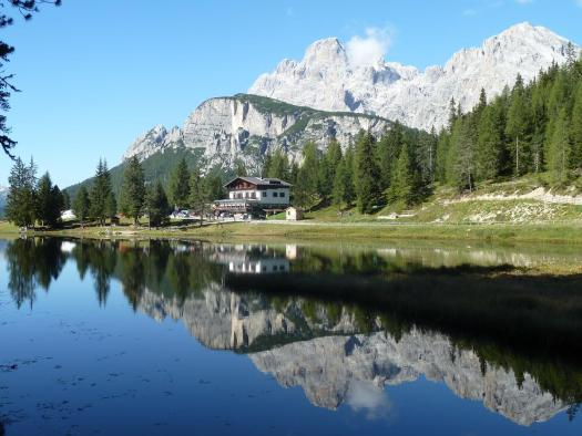 Albergo Chalet Lago Antorno. Book your stay at the Albergo Chalet Lago Antorno. Cortina Dolomiti Ultra Trekking.
