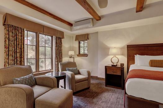 A room at the Austria Haus. The Must-Read Guide to Vail. Book your stay at the Austria Haus here.