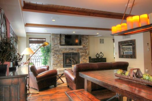 Another living area of one condo of the Landmark. The Must-Read Guide to Vail. Book your stay at the Landmark here.