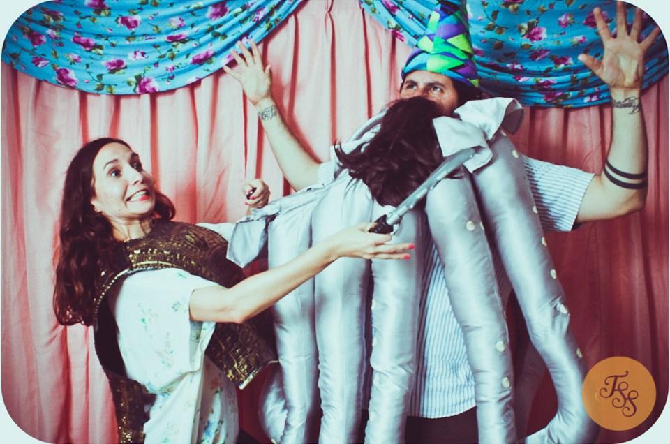 The Stills | Mercadillo Vintage costume bash