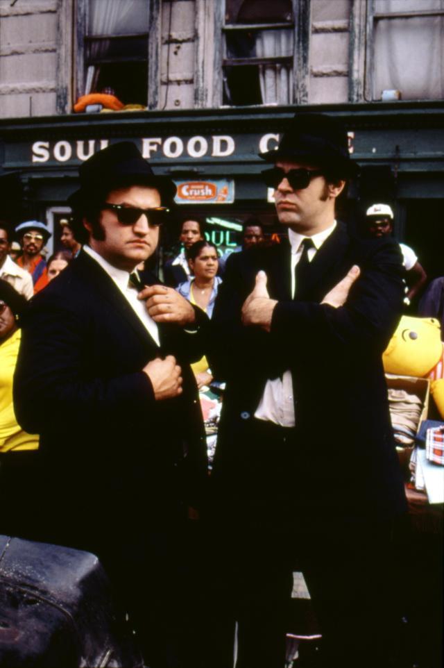 John Belushi and Dan Aykroyd / The blues Brothers / 1980 directed by John Landis