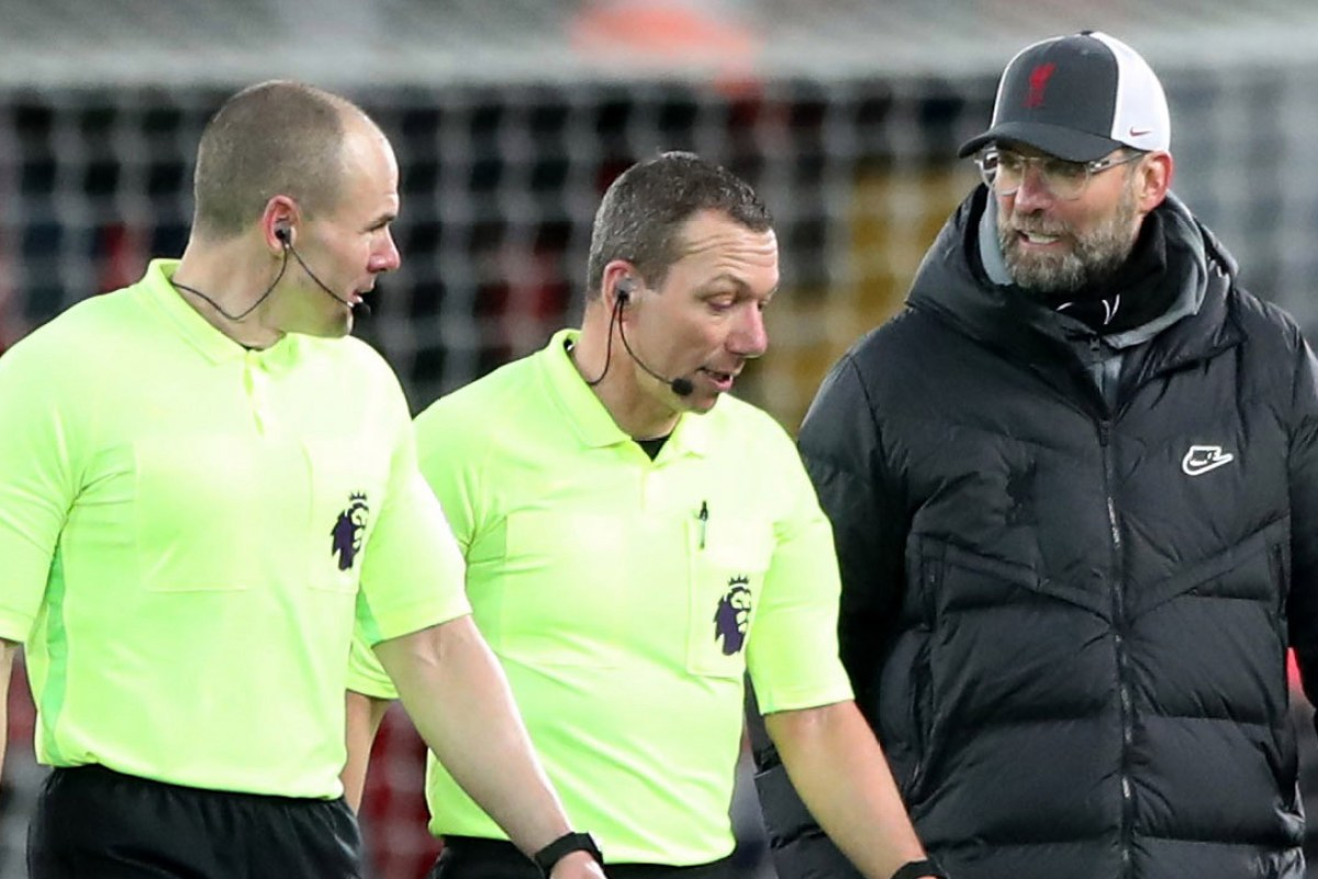 Klopp insists he doesn't do mind games as Reds boss hits back at Clattenburg