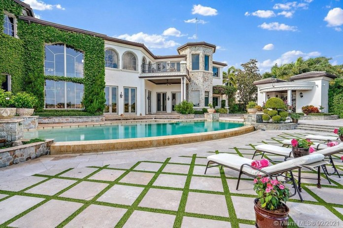 Trump Jr and his girlfriend Kimberly Guilfoyle have purchased a $9.7million mansion
