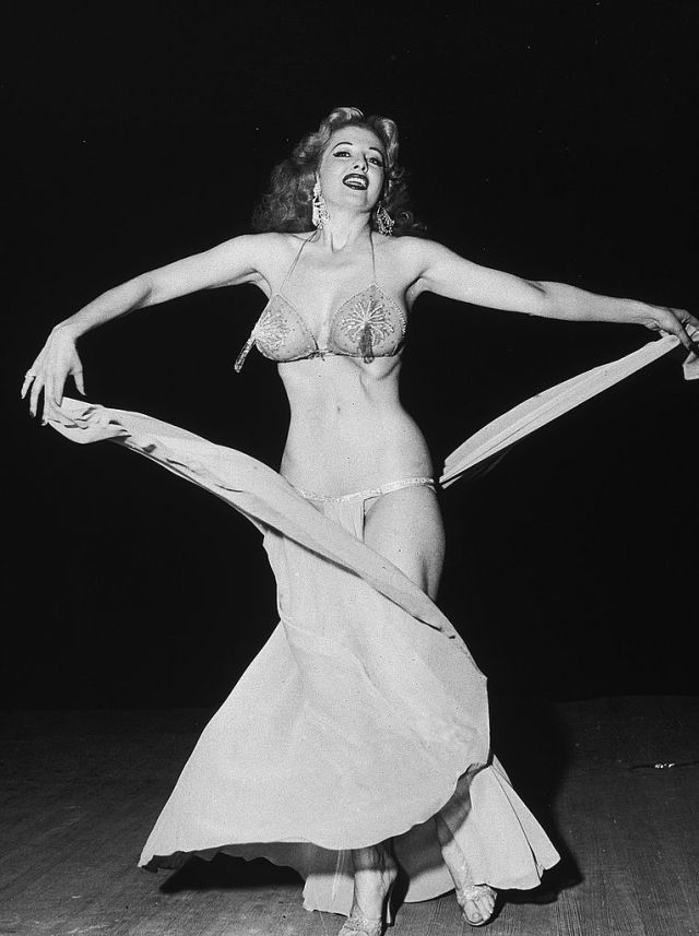 Tempest Storm was one of. themost famous burlesque dancers of her time