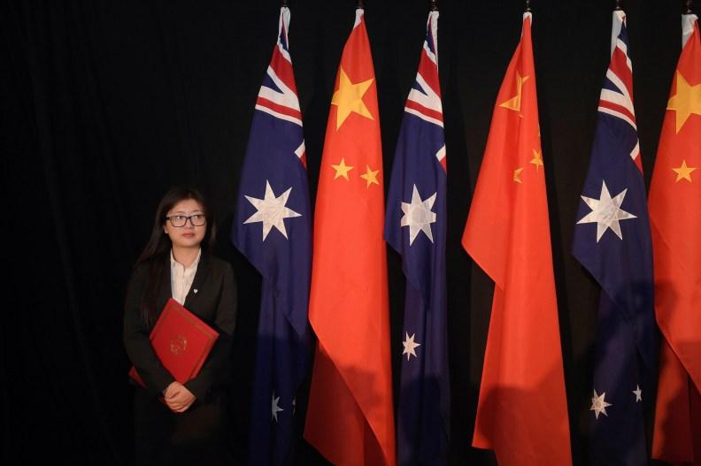 El portavoz de China ha lanzado un nuevo ataque contra Australia, con la publicación de un cartel de propaganda apuntando a las tropas australianas.