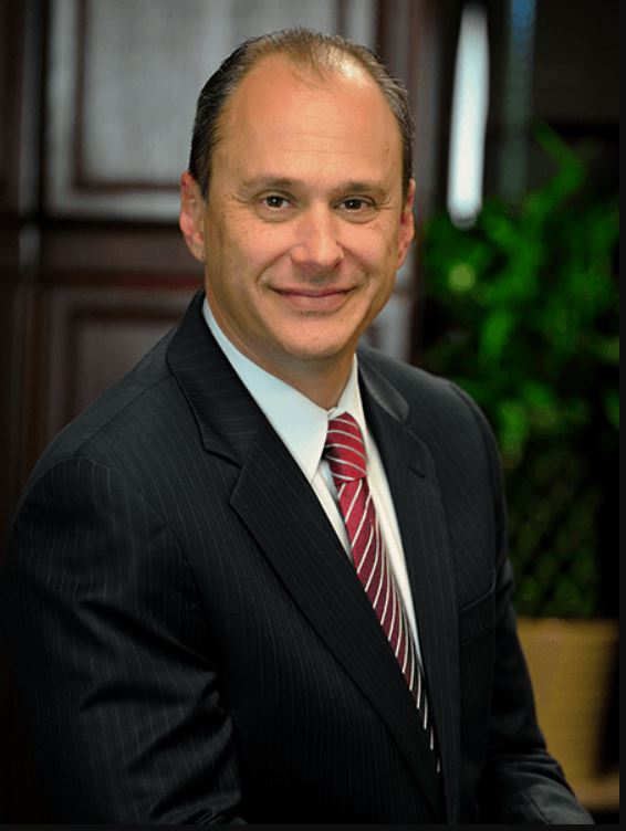 Kuvin représente neuf victimes d'Epstein