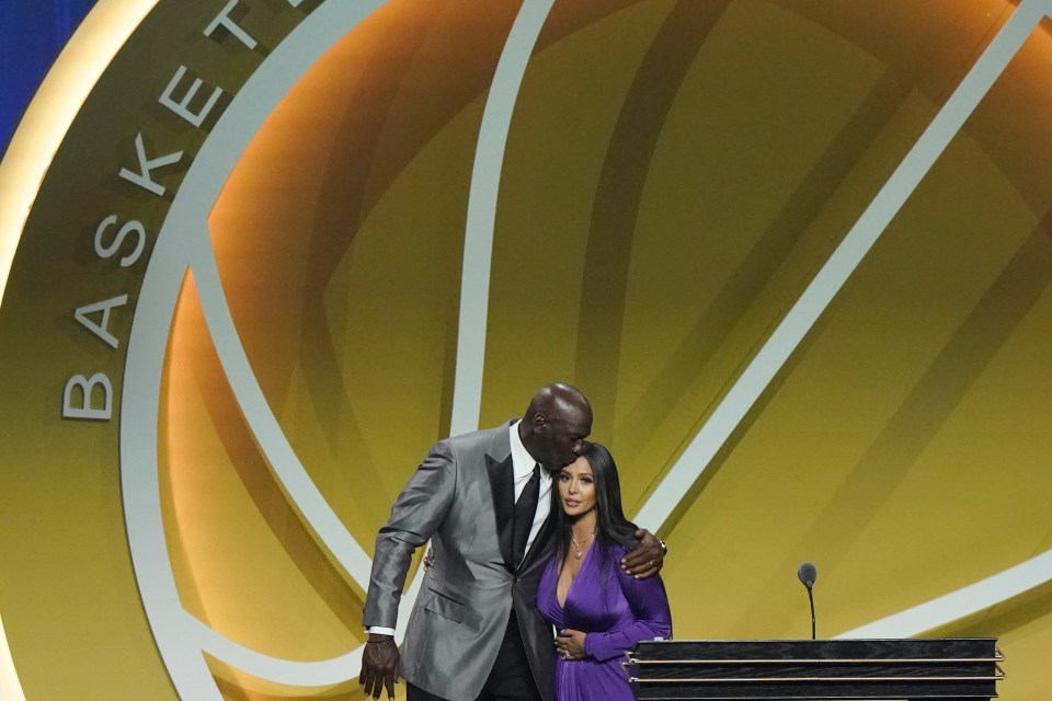 Standing by her side during her speech in Connecticut was fellow Hall of Fame great Michael Jordan