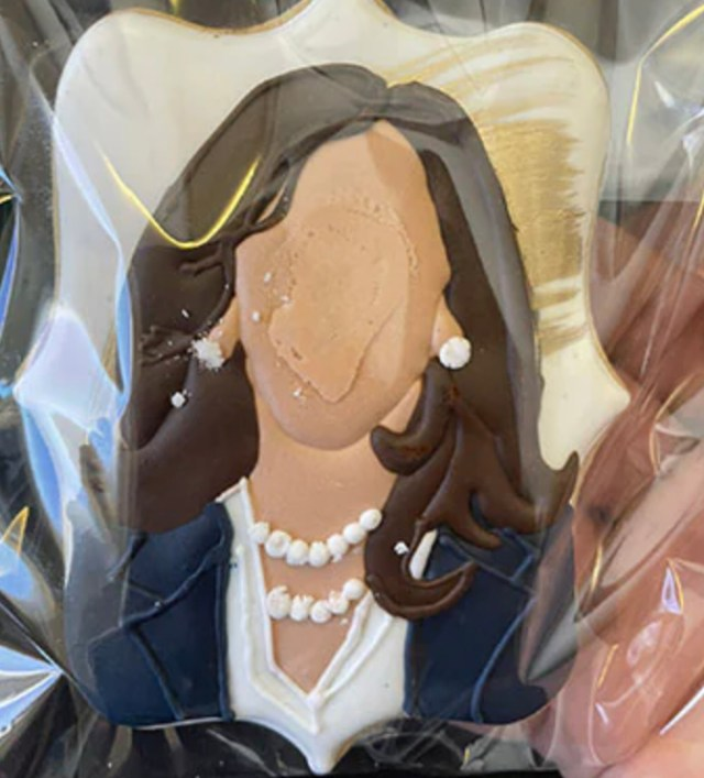 The cookies were modeled on Kamala Harris' official White House portrait