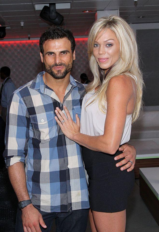 Loni daha önce Baywatch yıldızı Jeremy ile evliydi.