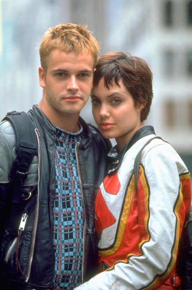 The actress met Jonny on the set of Hackers in 1994