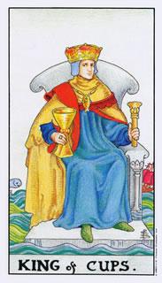 de betekenis van de tarotkaart bekers koning bij het kaartleggen op de tarotlezer