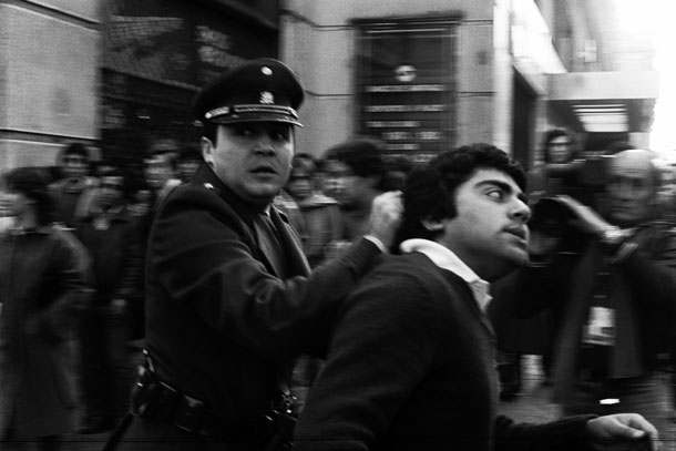 pinochet coup 40 years ago chile 911 photojournalist juan carlos caceres weapon camera 4 The Pinochet Coup 40 Years Ago    Of Chiles 9/11 and Photojournalist Juan Carlos Cáceres' Only Weapon, His Camera