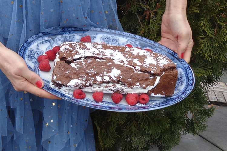 Yule Log recipe: eating dessert helps you lose weight!